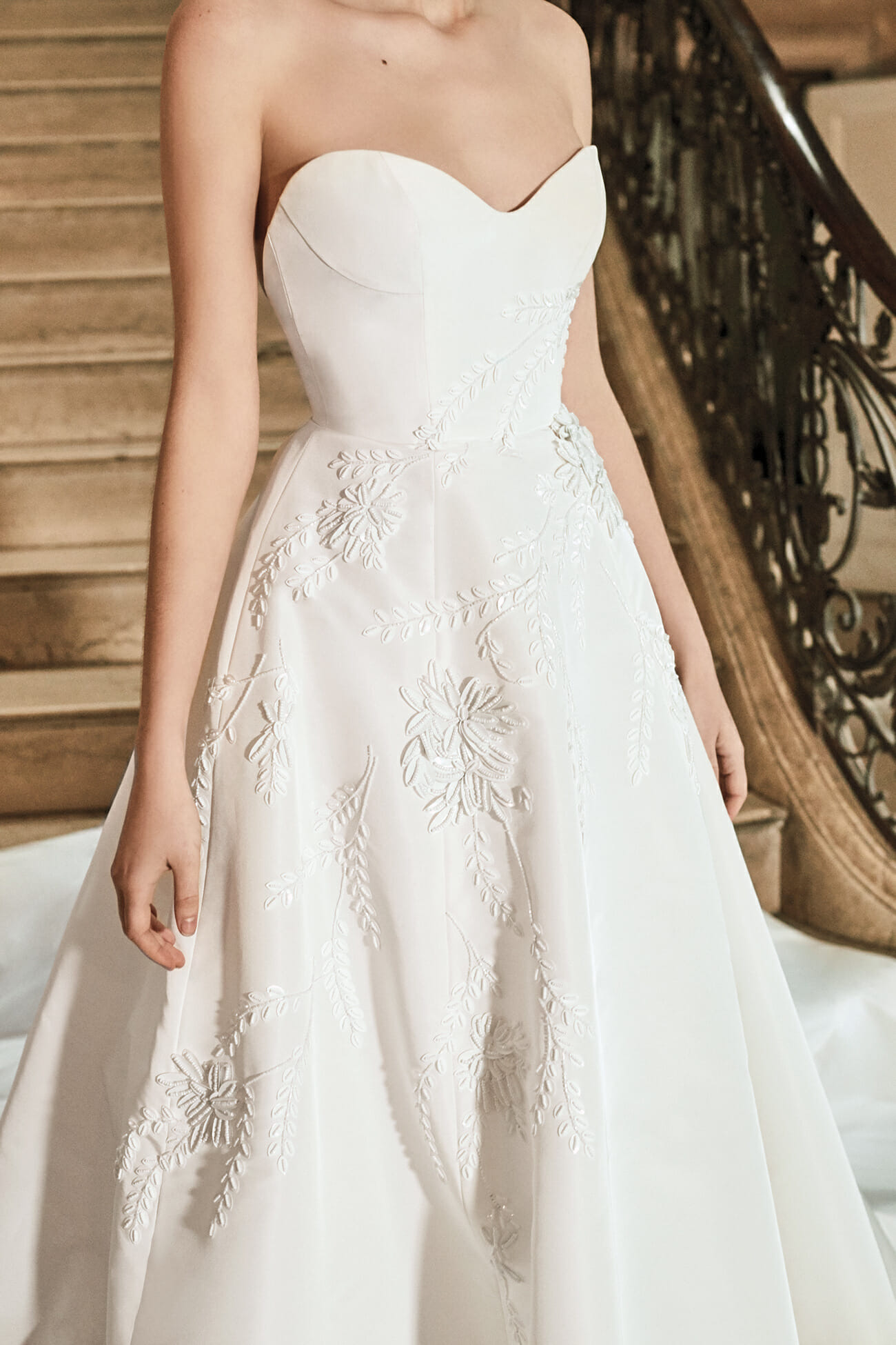 Carolina-Herrera-New-York-Bridal-Spring-2019-holland