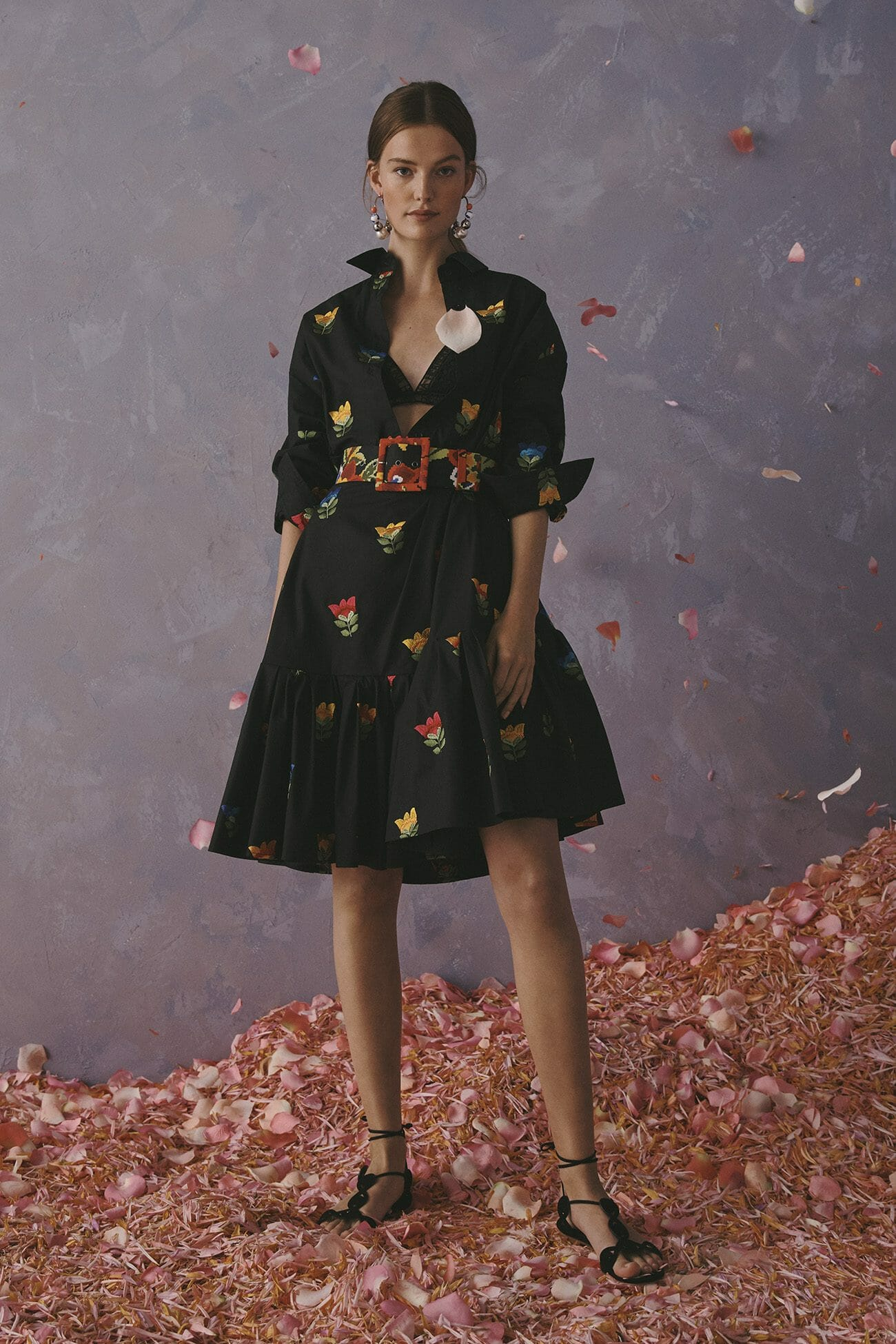 Carolina Herrera New York Resort 2020 Collection black shirt dress with flower belt